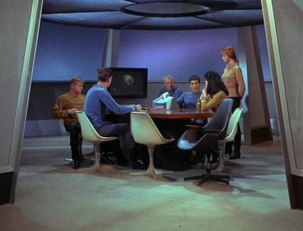 Star-Trek-Tulip chairs by Eero Saarinen